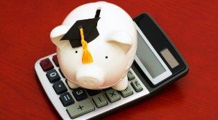 student-loans-piggy-bank